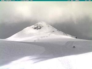 Il ghiacciaio Stelvio pronto per lo sci estivo