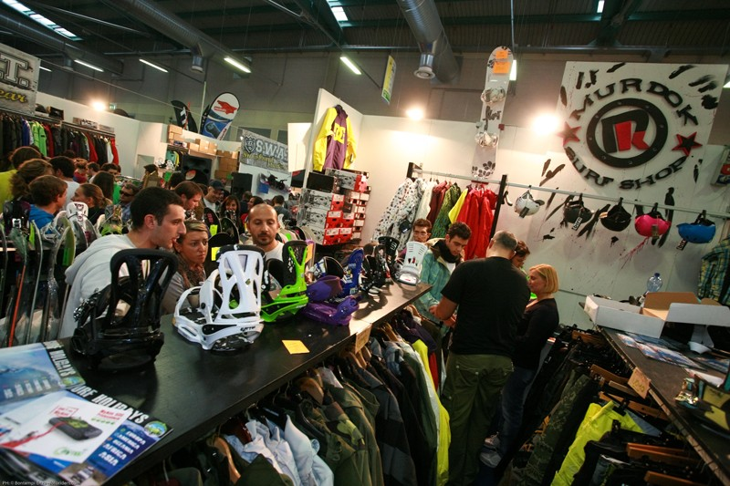 vendita snowboard in fiera