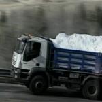 Camion portano la Neve sul Faloria per continuare la stagione sciistica