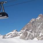 Sabato e domenica impianti aperti e prime sciate a Cervinia