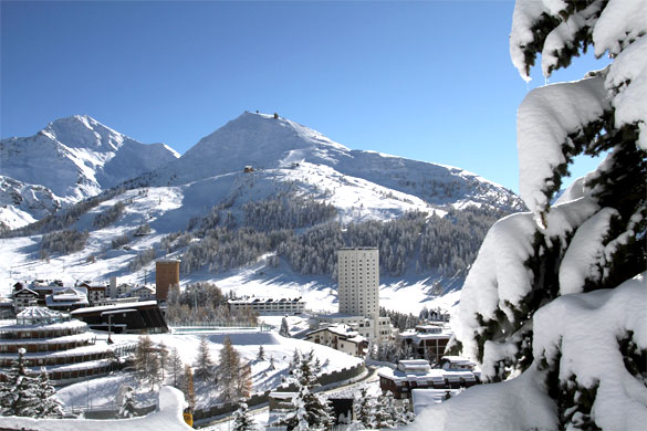120cm di Neve Fresca, Sestriere e Sauze d'Oulx anticipano l'apertura impianti