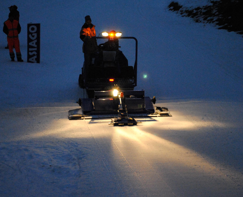 Alpina Snowmobiles per preparare le piste del Masters World Cup Asiago 2013