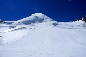 Sciare a settembre, impianti aperti a Passo Stelvio, Hintertux e Saas-Fee