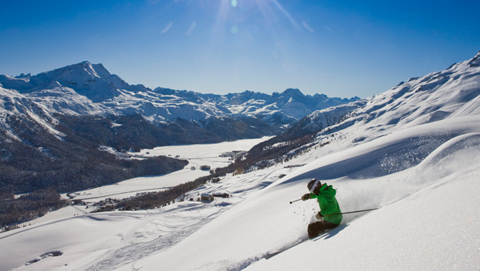 SNOWSPORTS OPENING e St. Moritz City Race con DJ Antoine