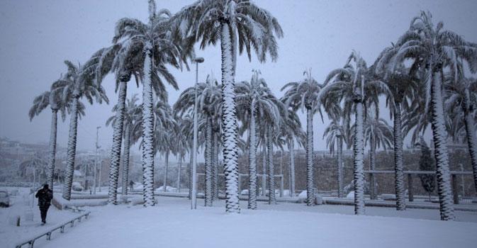 deserto con la neve