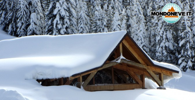 chiesa verena sepolta dalla neve