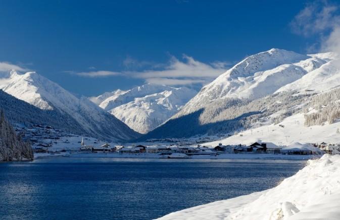 lago di livigno inverno