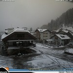Neve in centro a Canazei