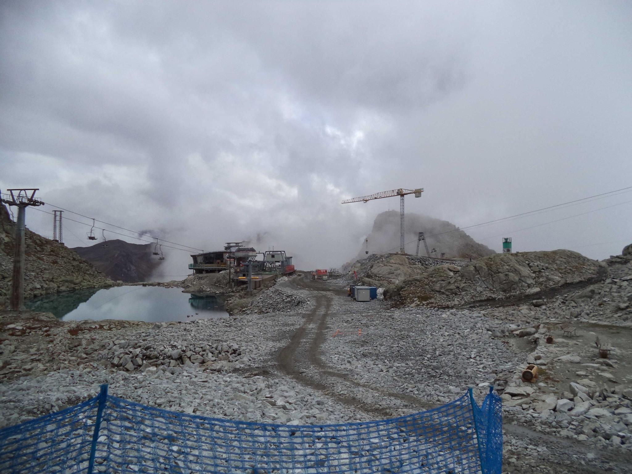 Sul ghiacciaio Presena proseguono i lavori per la nuova Cabinovia