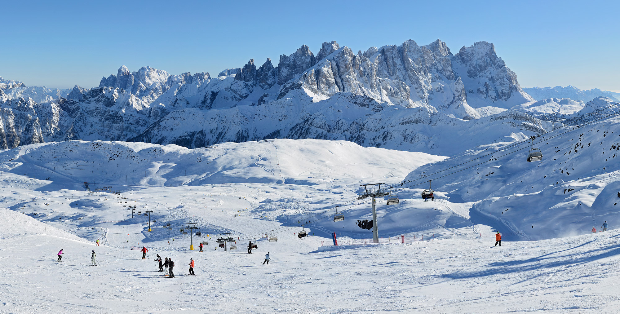 Dolomiti: a sorpresa aprono gli impianti sciistici di Passo San Pellegrino