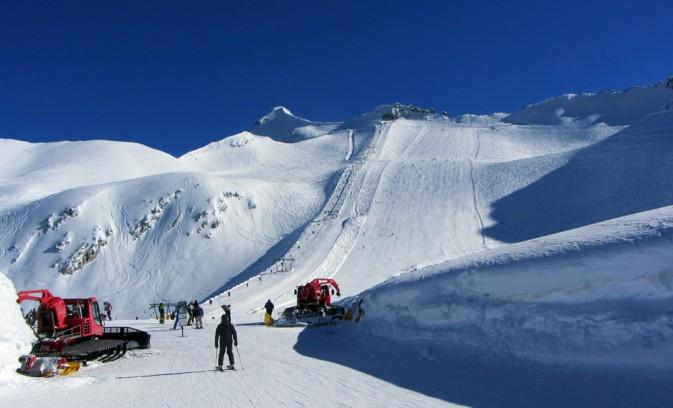 ghiacciaio presena sci primaverile