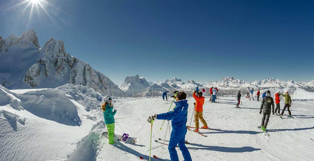 Dolomiti: impianti sciistici aperti da venerdì 18 novembre a Cortina